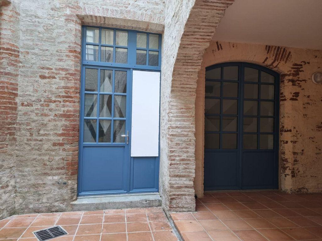 Appartement à louer 1 26m2 à Montauban vignette-1