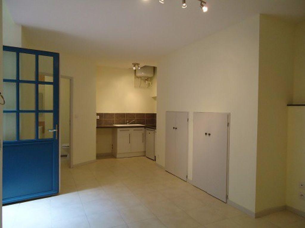 Appartement à louer 1 26m2 à Montauban vignette-2