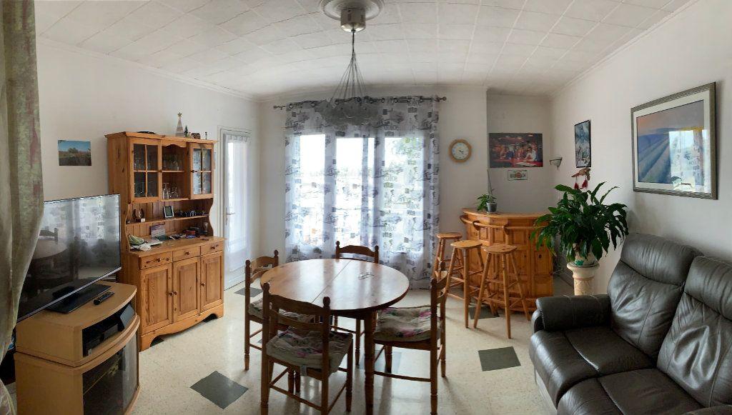 Appartement à vendre 3 68m2 à Moissac vignette-3