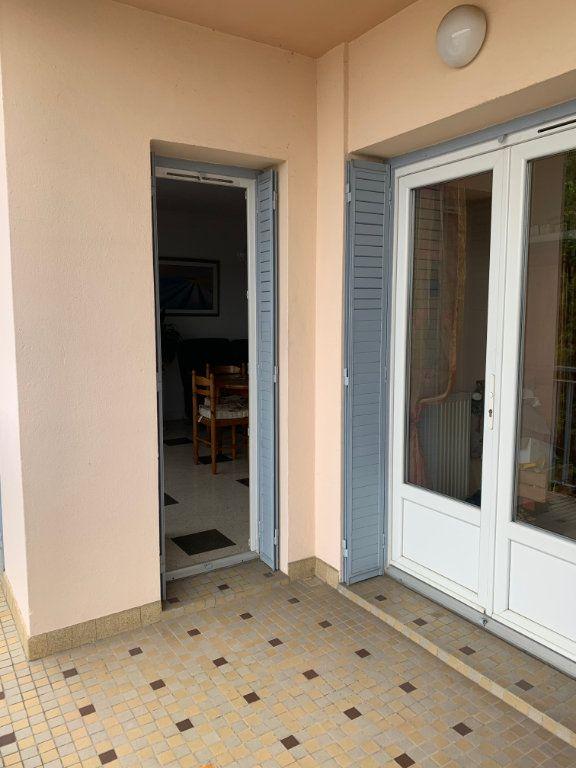 Appartement à vendre 3 68m2 à Moissac vignette-4