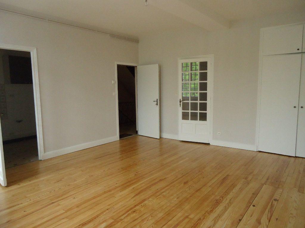 Appartement à louer 4 79m2 à Moissac vignette-1