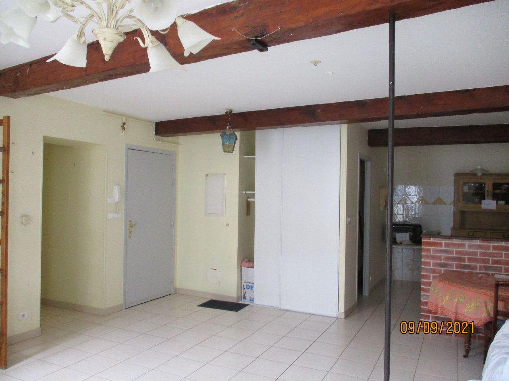 Appartement à louer 3 84m2 à Moissac vignette-1