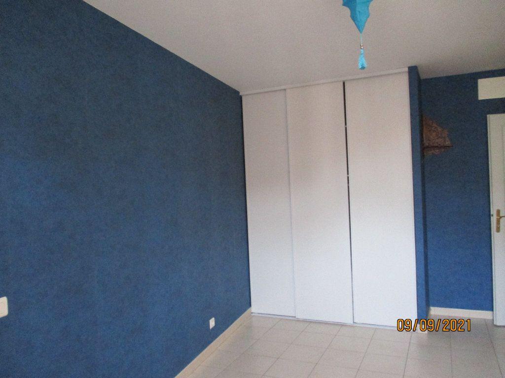 Appartement à louer 3 84m2 à Moissac vignette-3