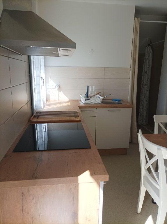 Appartement à louer 1 24.5m2 à Moissac vignette-1