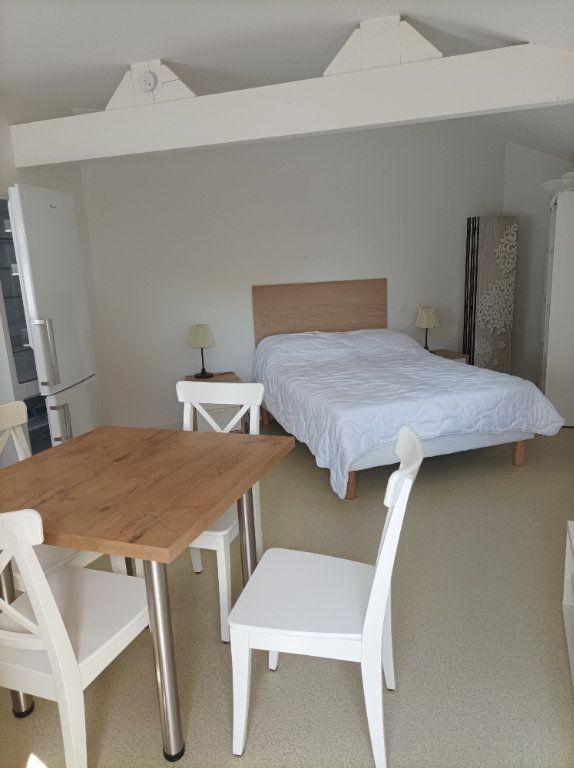 Appartement à louer 1 24.5m2 à Moissac vignette-2