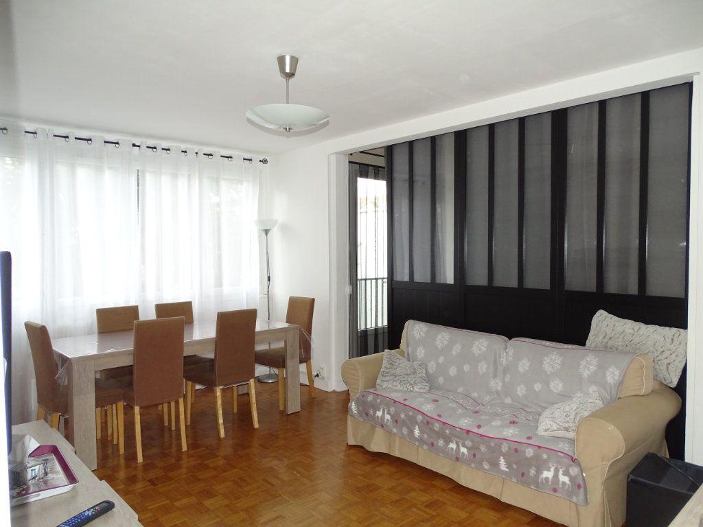 Appartement à vendre 5 84.23m2 à Saint-Étienne vignette-1