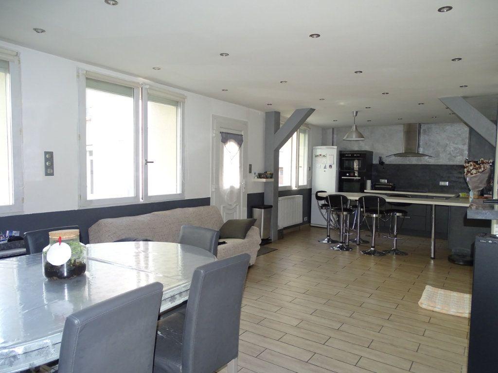 Maison à vendre 6 142.05m2 à Saint-Étienne vignette-1