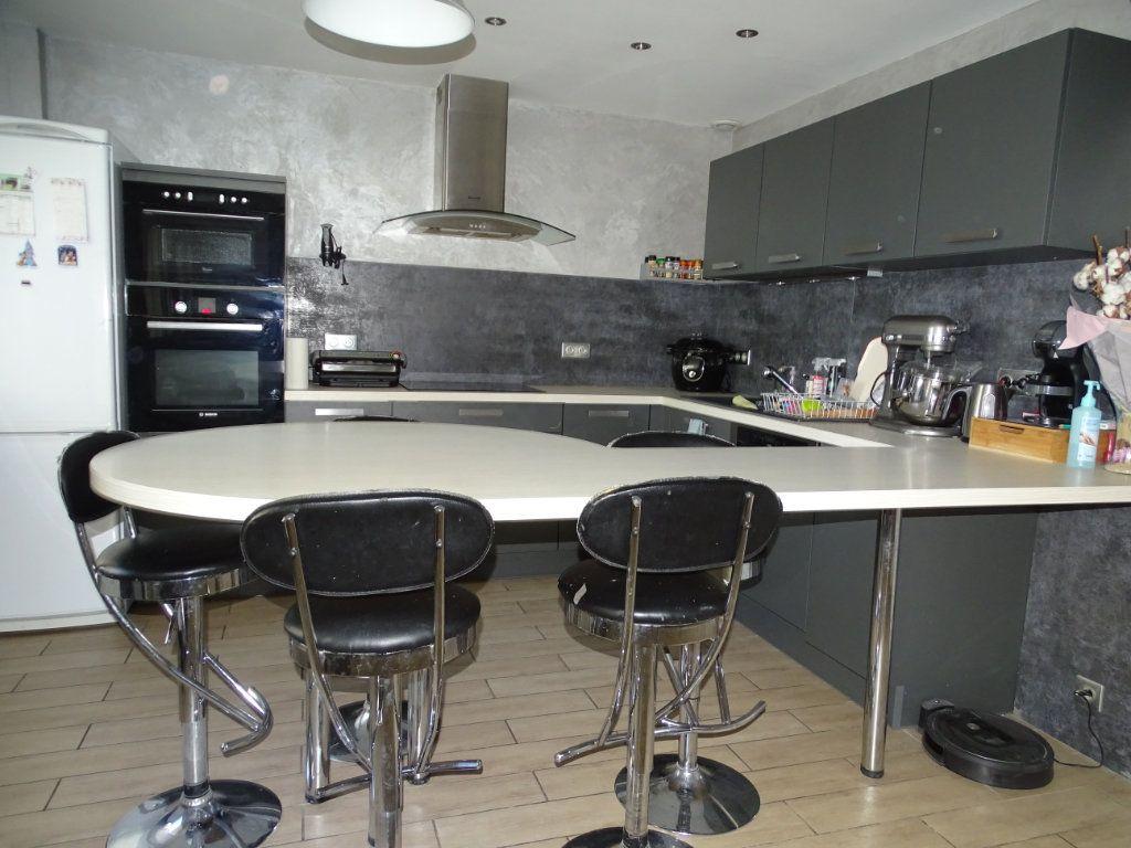 Maison à vendre 6 142.05m2 à Saint-Étienne vignette-2
