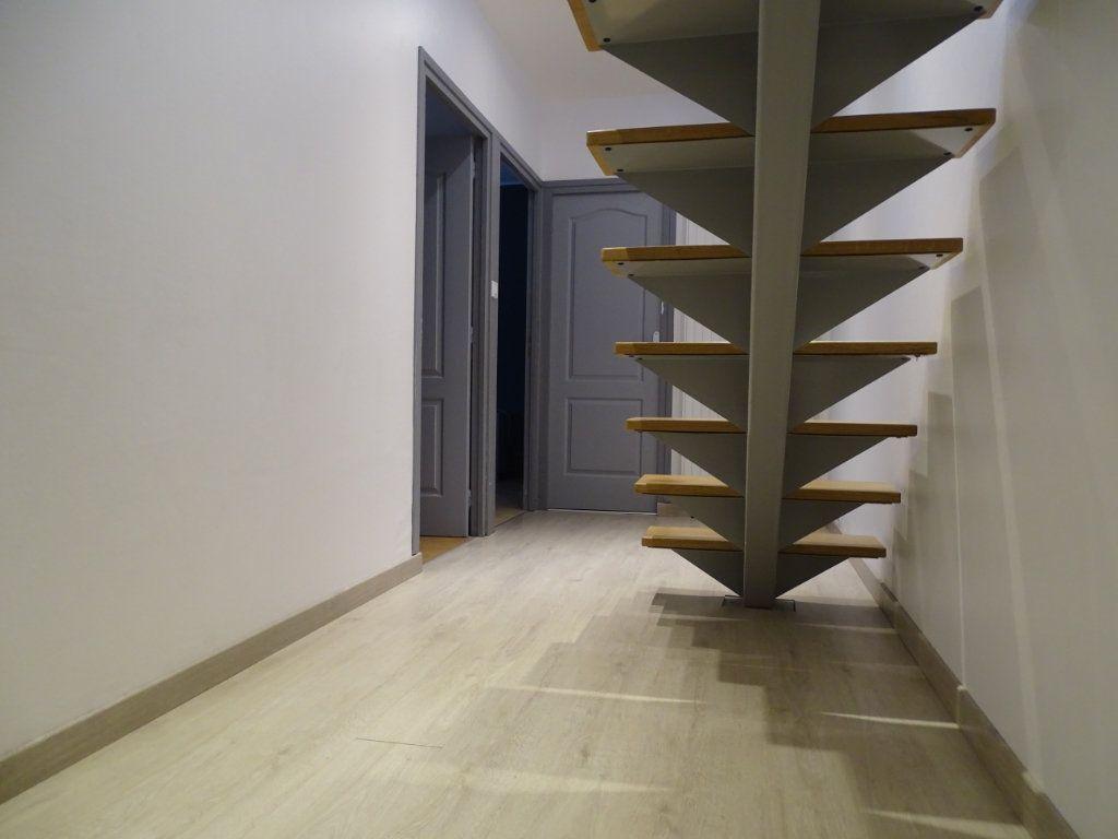 Maison à vendre 6 142.05m2 à Saint-Étienne vignette-8