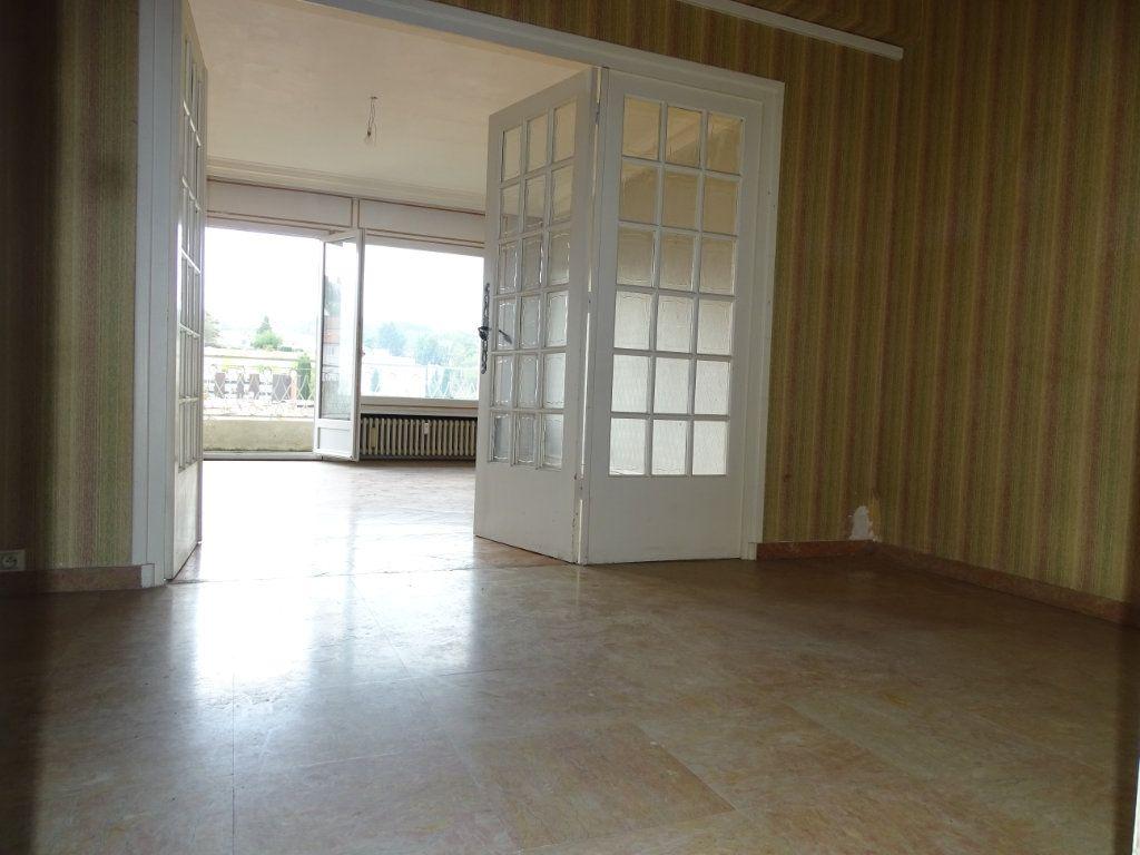 Appartement à vendre 5 122.3m2 à Saint-Étienne vignette-1