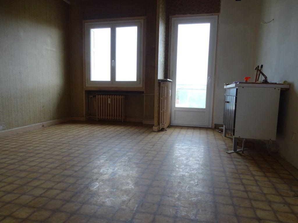 Appartement à vendre 5 122.3m2 à Saint-Étienne vignette-7