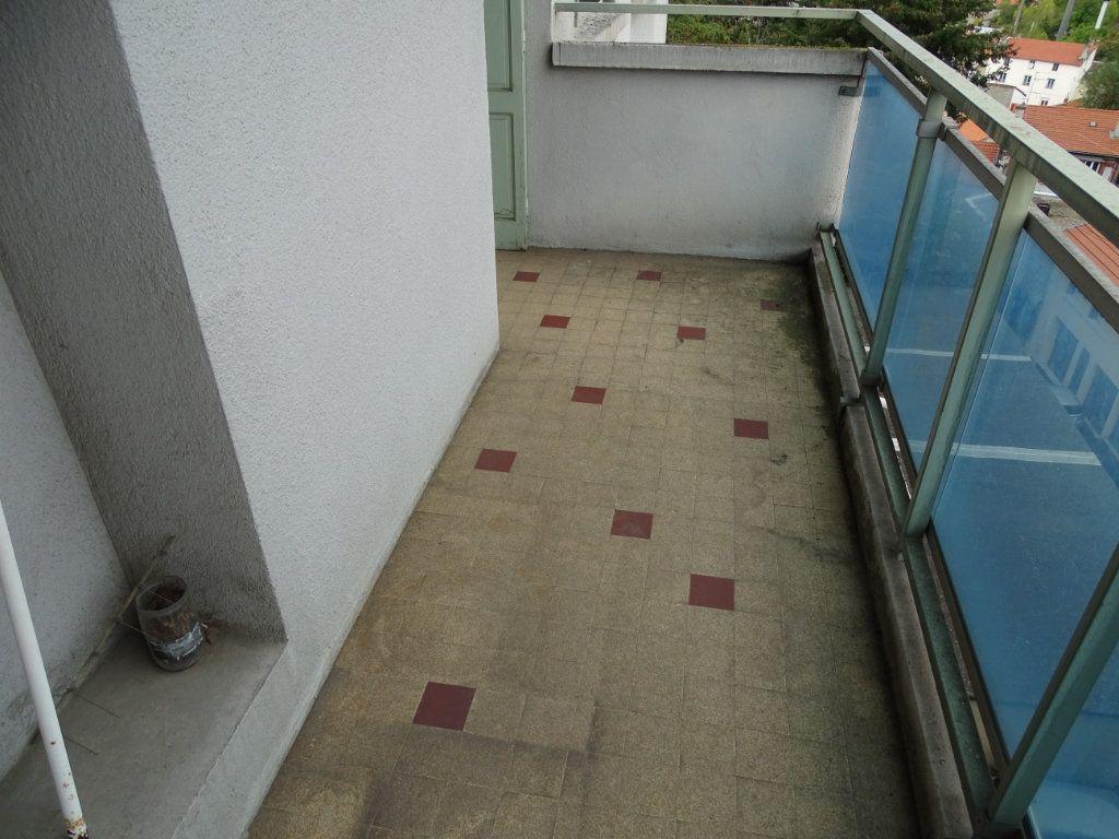 Appartement à vendre 5 122.3m2 à Saint-Étienne vignette-8