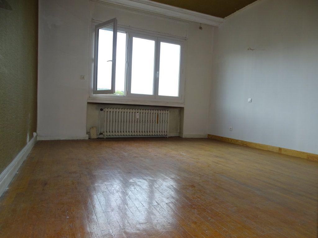 Appartement à vendre 5 122.3m2 à Saint-Étienne vignette-11