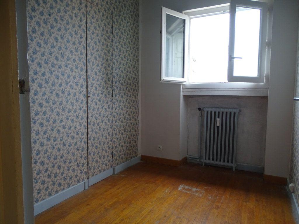 Appartement à vendre 5 122.3m2 à Saint-Étienne vignette-12