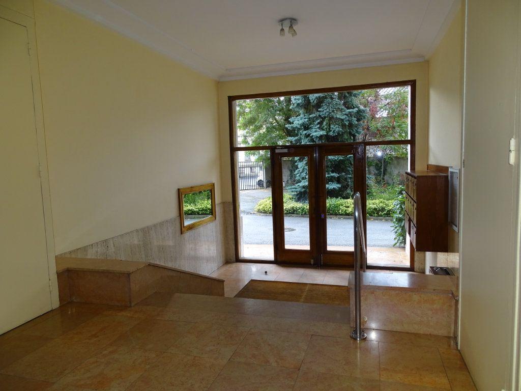 Appartement à vendre 5 122.3m2 à Saint-Étienne vignette-13