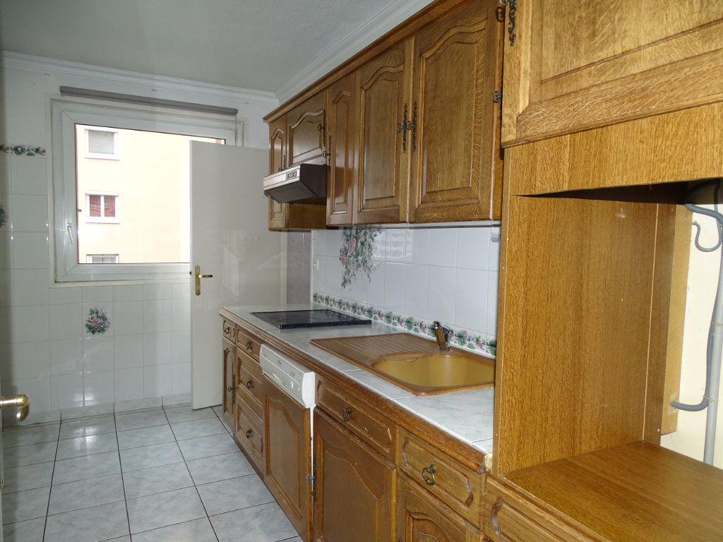 Appartement à vendre 5 94m2 à Saint-Étienne vignette-6
