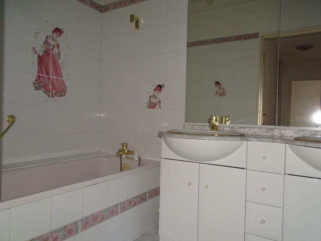 Appartement à vendre 5 94m2 à Saint-Étienne vignette-9