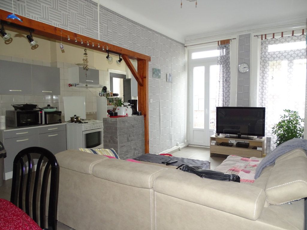 Appartement à vendre 4 89.73m2 à Saint-Étienne vignette-2