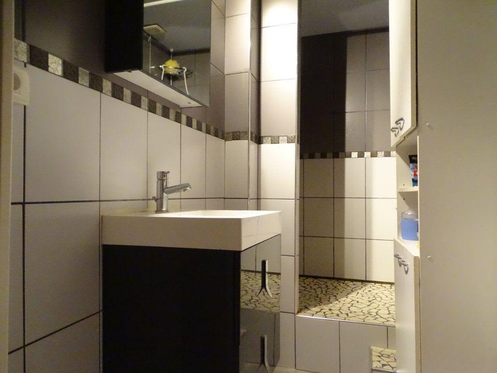Appartement à vendre 4 89.73m2 à Saint-Étienne vignette-10