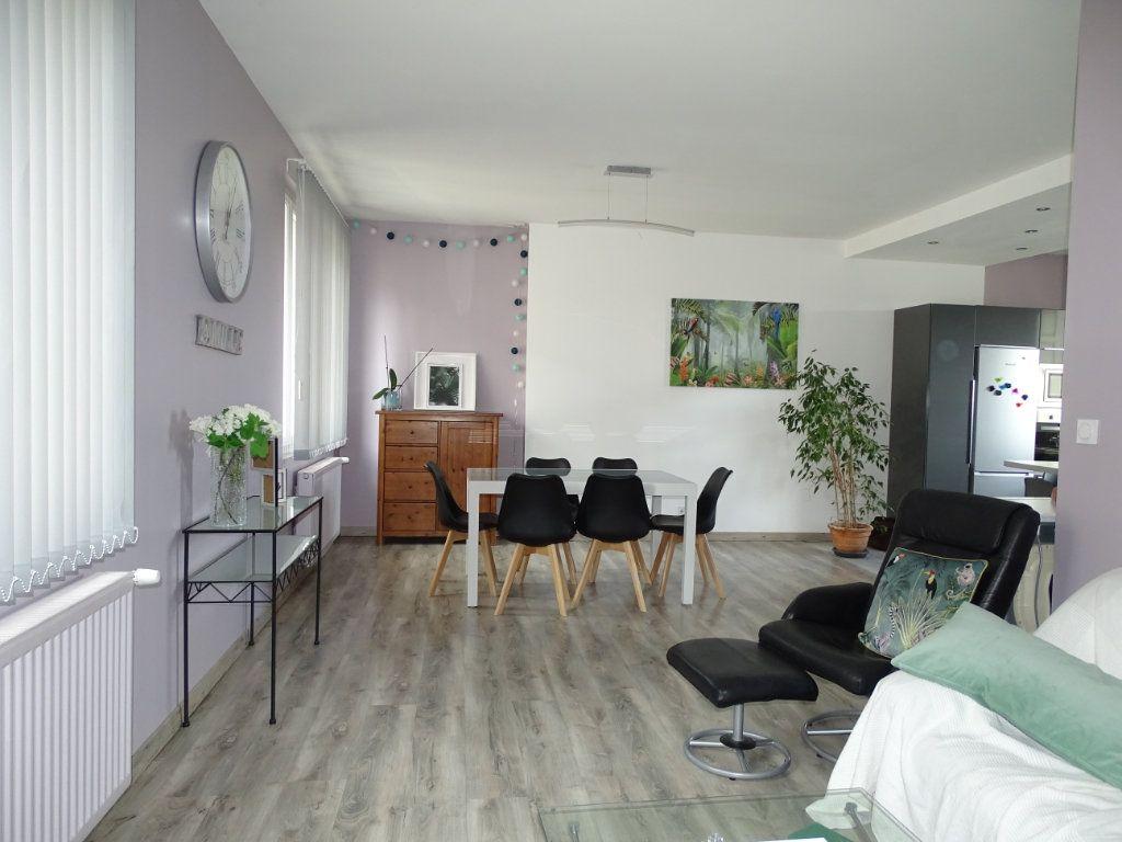 Appartement à vendre 4 96.36m2 à Saint-Étienne vignette-1