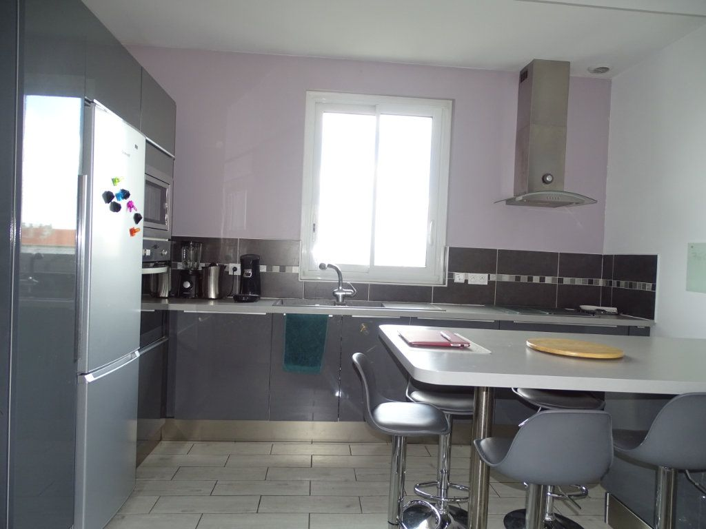 Appartement à vendre 4 96.36m2 à Saint-Étienne vignette-3