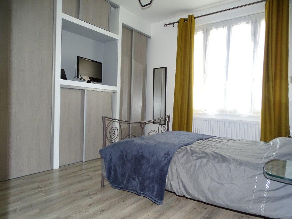 Appartement à vendre 4 96.36m2 à Saint-Étienne vignette-5