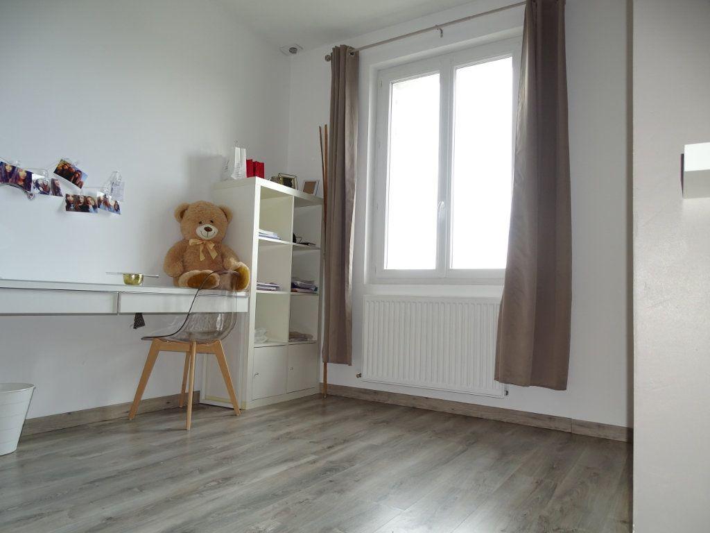 Appartement à vendre 4 96.36m2 à Saint-Étienne vignette-7