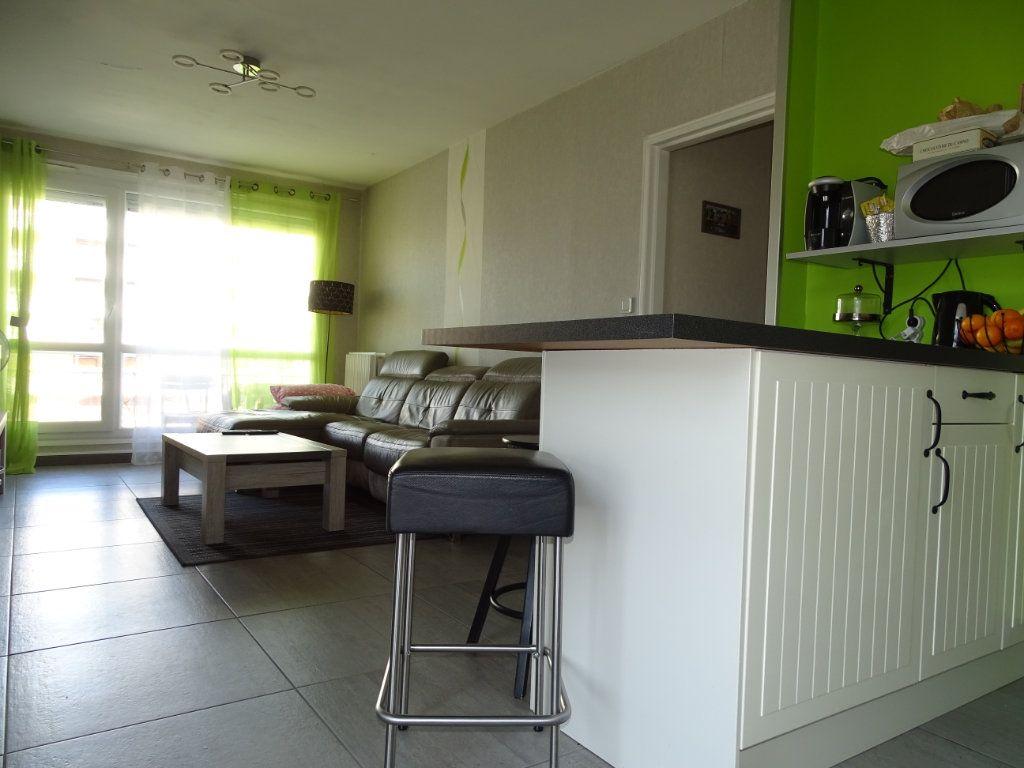 Appartement à vendre 3 61.1m2 à Saint-Étienne vignette-3