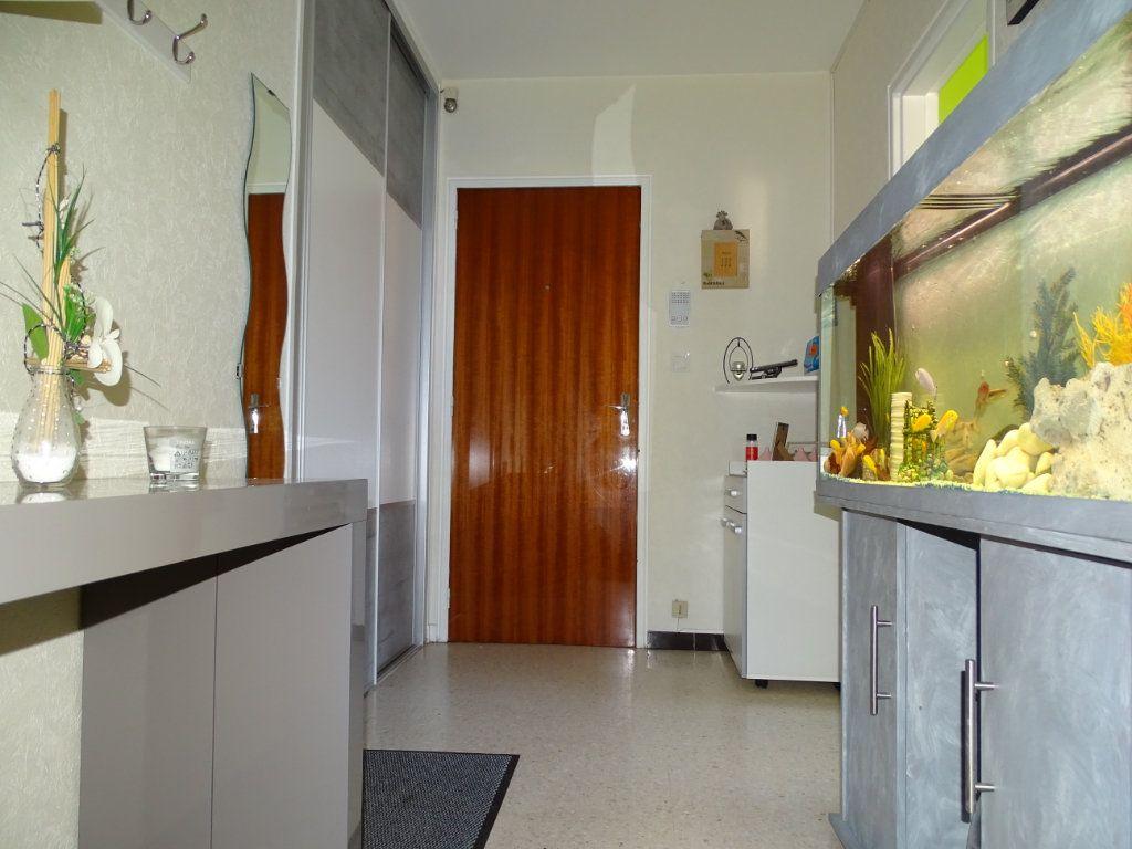 Appartement à vendre 3 61.1m2 à Saint-Étienne vignette-5