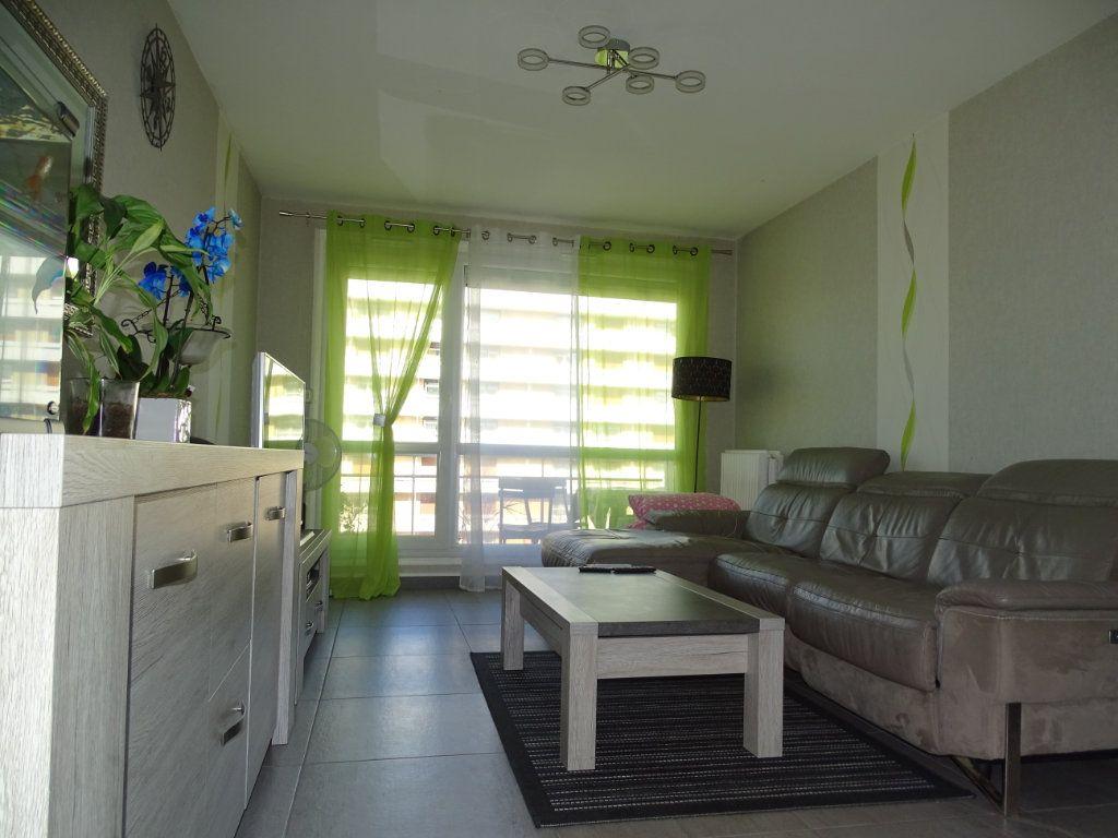 Appartement à vendre 3 61.1m2 à Saint-Étienne vignette-6