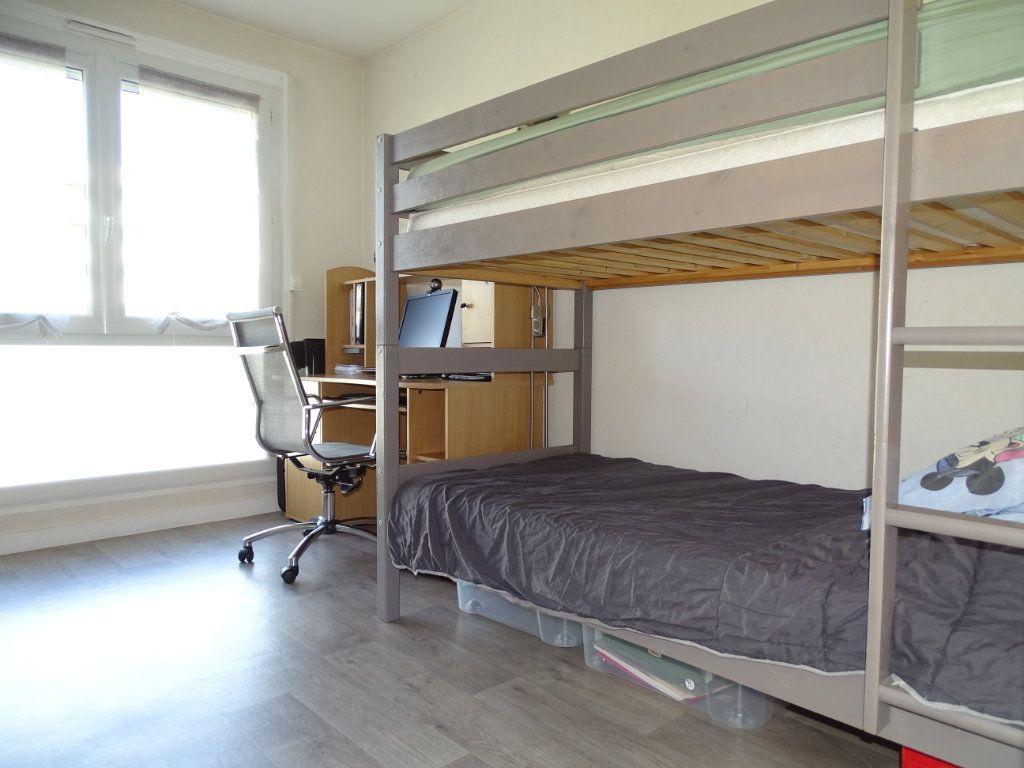 Appartement à vendre 3 61.1m2 à Saint-Étienne vignette-10