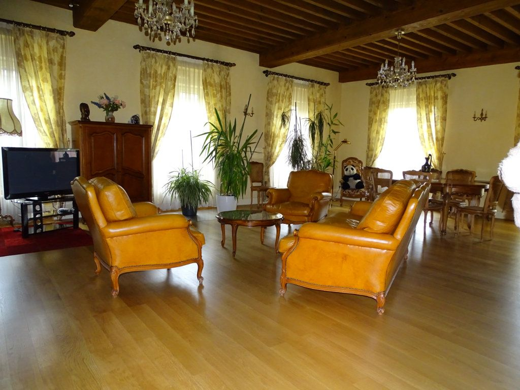 Appartement à vendre 8 324.41m2 à Saint-Chamond vignette-3