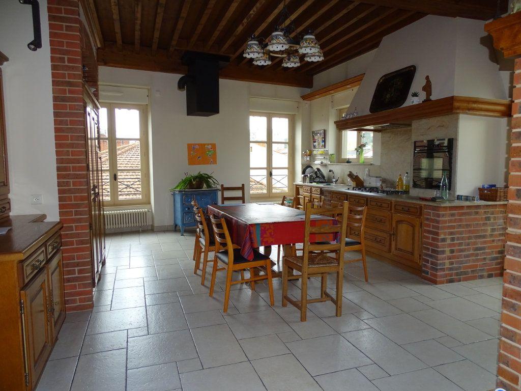 Appartement à vendre 8 324.41m2 à Saint-Chamond vignette-5