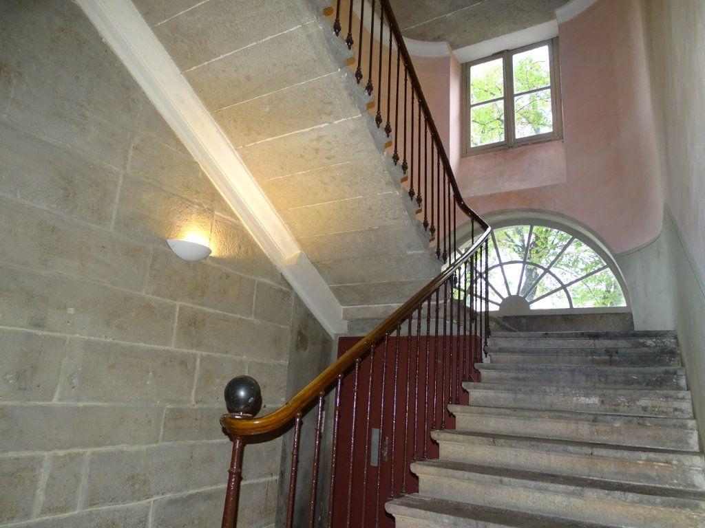 Appartement à vendre 8 324.41m2 à Saint-Chamond vignette-18