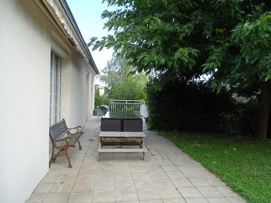 Maison à vendre 8 142.47m2 à Saint-Étienne vignette-17