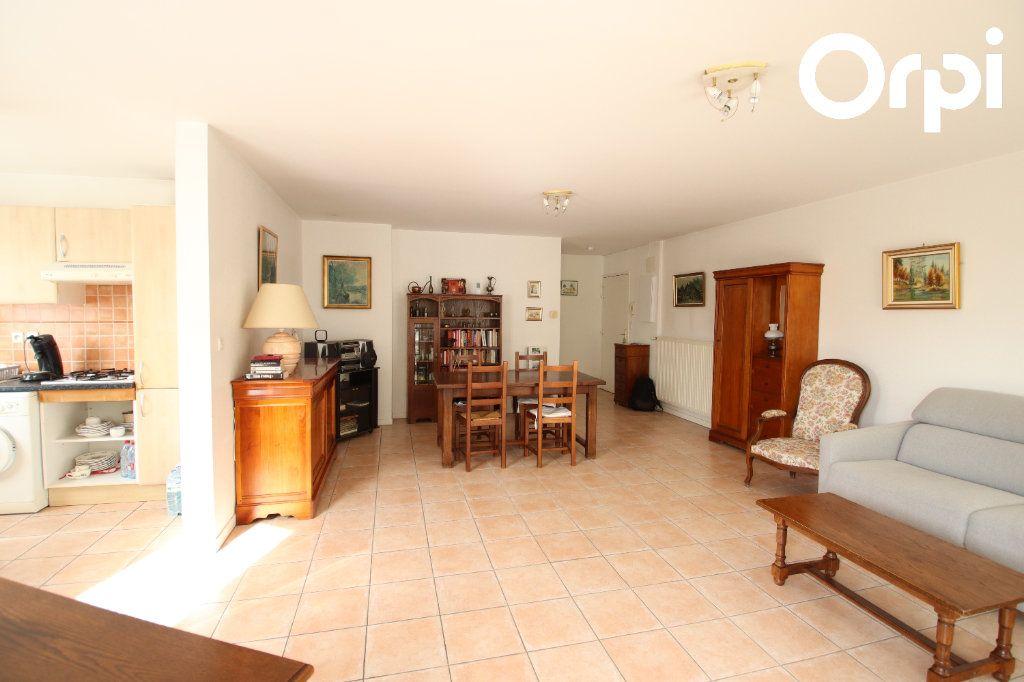 Appartement à vendre 3 74.5m2 à Royan vignette-1