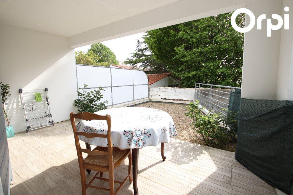 Appartement à vendre 3 74.5m2 à Royan vignette-2