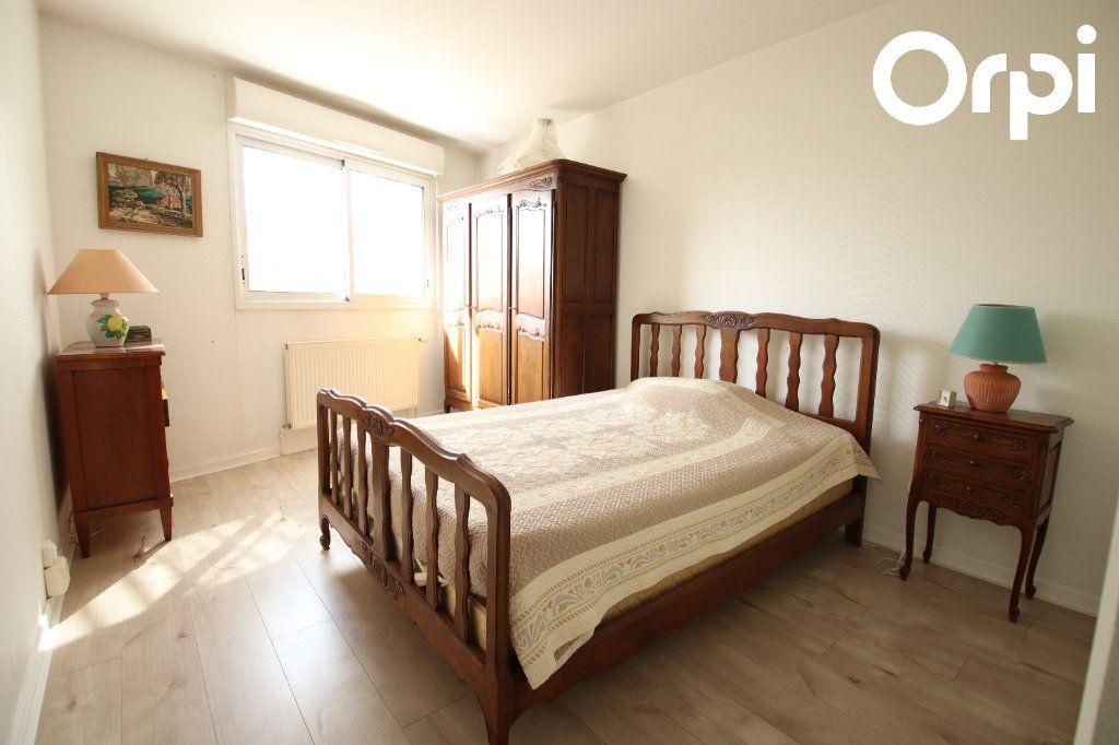 Appartement à vendre 3 74.5m2 à Royan vignette-4