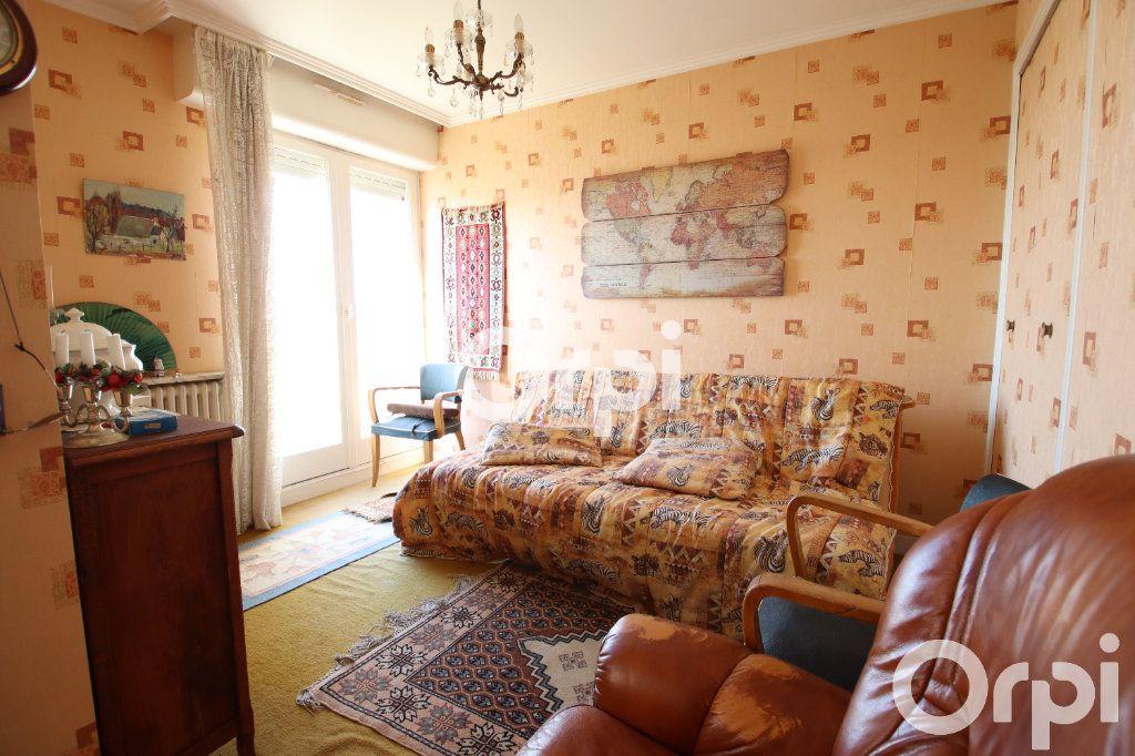 Appartement à vendre 4 78.58m2 à Royan vignette-3