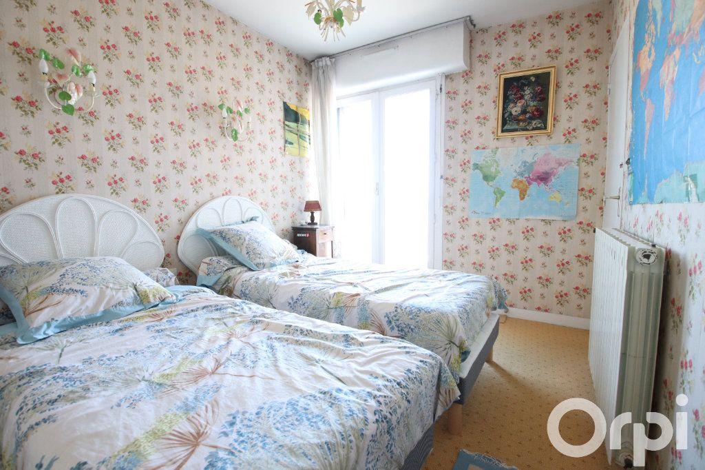 Appartement à vendre 4 78.58m2 à Royan vignette-6