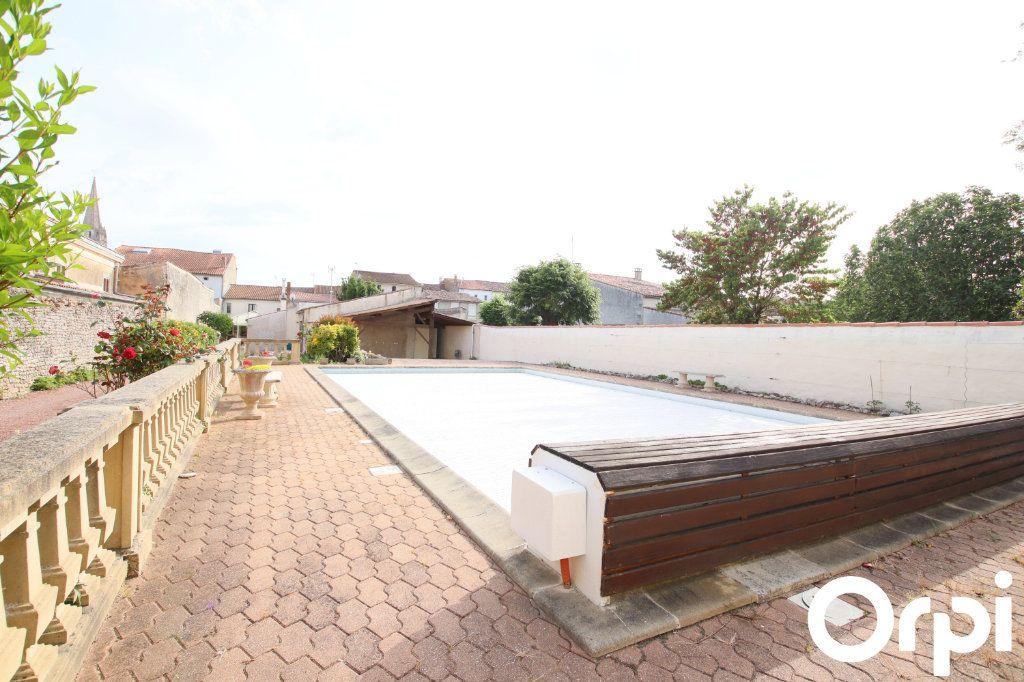 Maison à vendre 7 178.17m2 à Marennes vignette-1