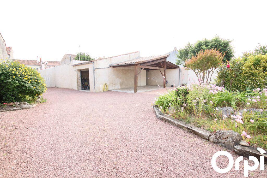 Maison à vendre 7 178.17m2 à Marennes vignette-9