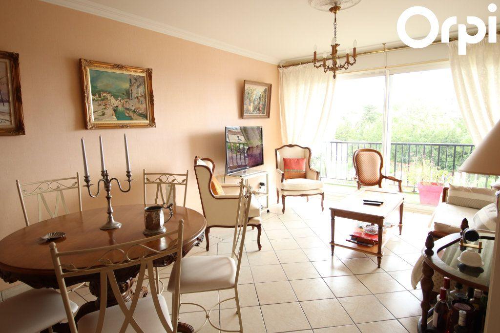 Appartement à vendre 3 75.44m2 à Royan vignette-1