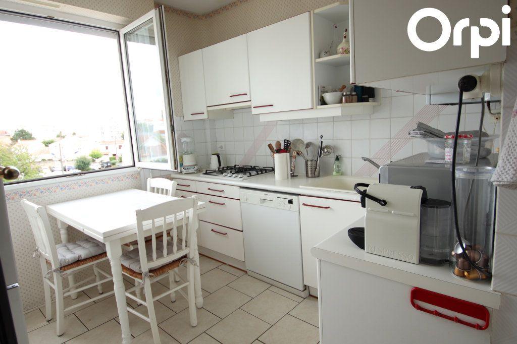 Appartement à vendre 3 75.44m2 à Royan vignette-2