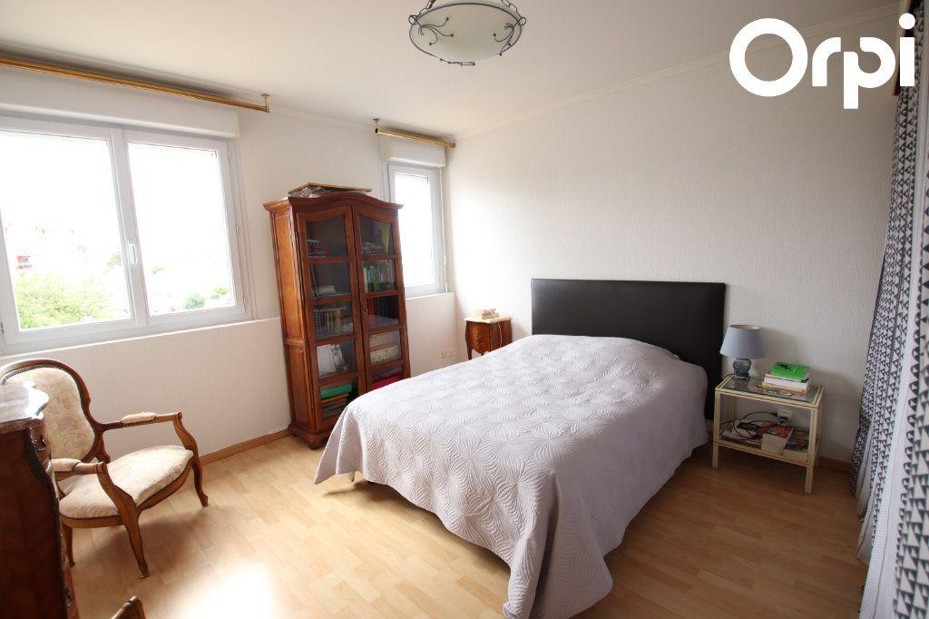 Appartement à vendre 3 75.44m2 à Royan vignette-4