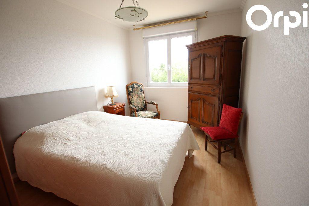 Appartement à vendre 3 75.44m2 à Royan vignette-5