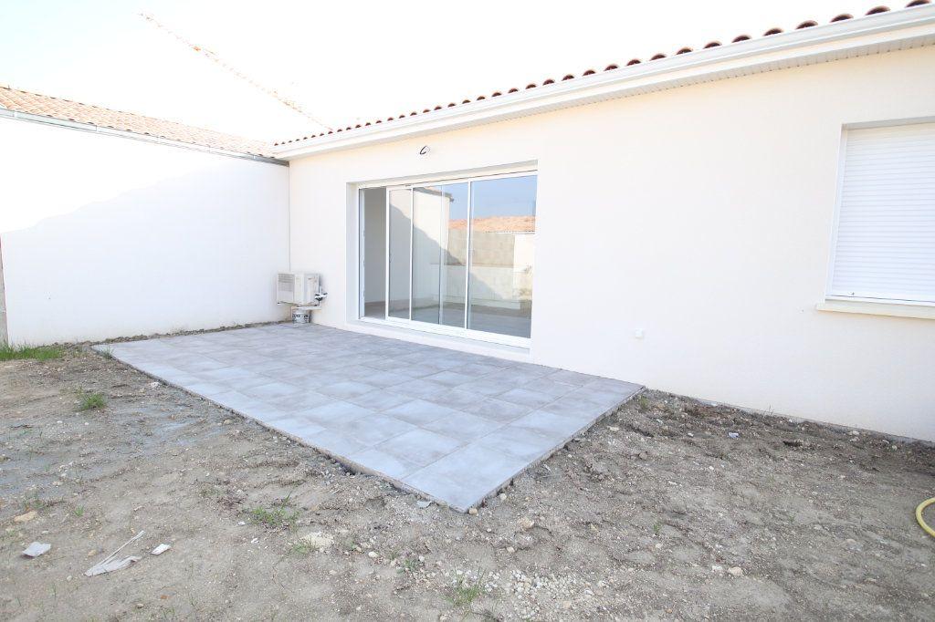 Maison à vendre 4 74.78m2 à Meschers-sur-Gironde vignette-8