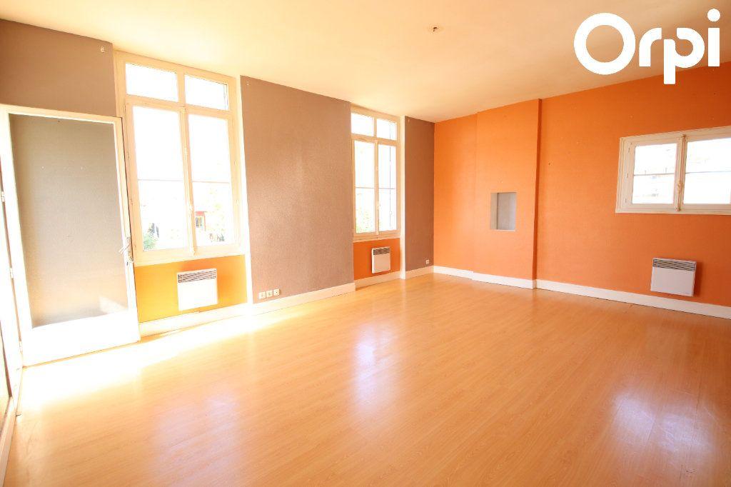Appartement à vendre 3 70.37m2 à Royan vignette-2