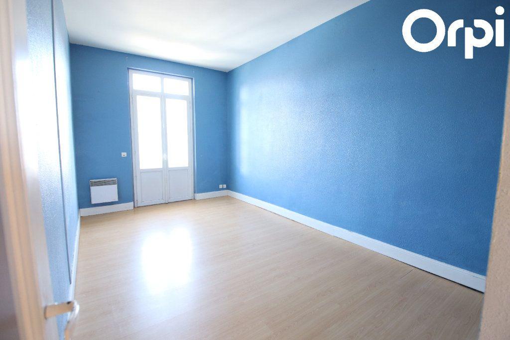 Appartement à vendre 3 70.37m2 à Royan vignette-5