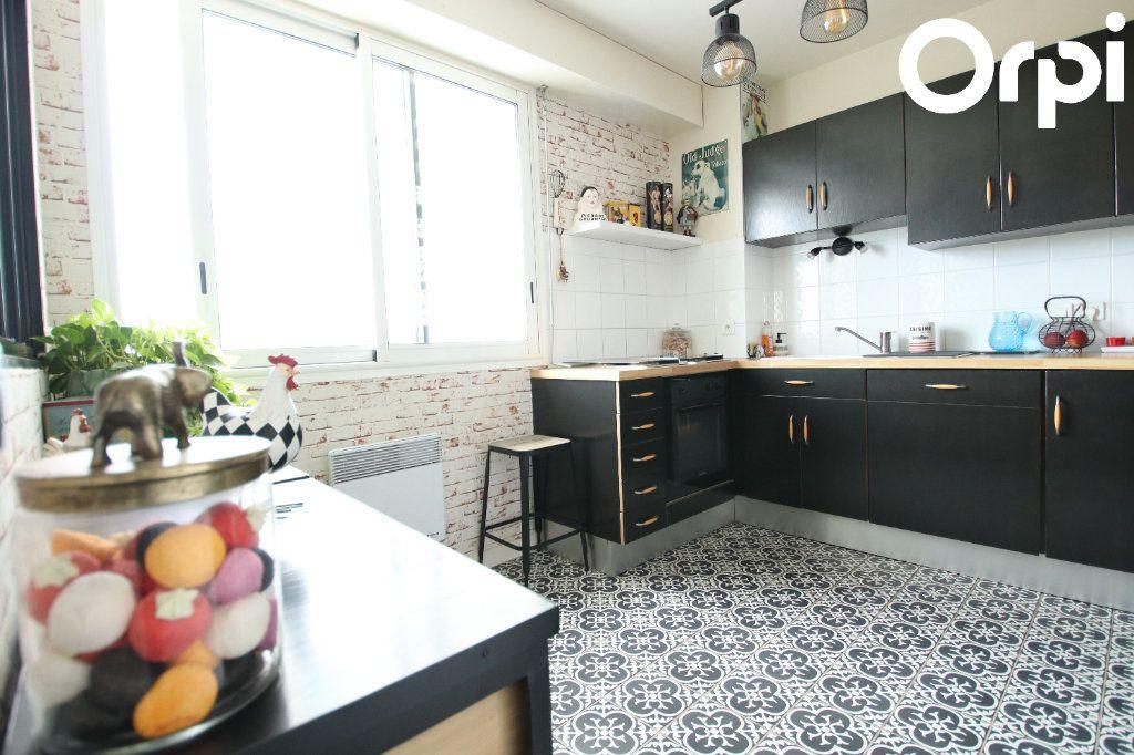 Appartement à vendre 3 72.26m2 à Royan vignette-2
